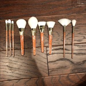 Brand new wet n wild makeup brushes